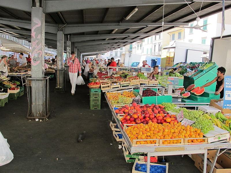 Nei mercati frutta e verdura in rialzo per l'inflazione
