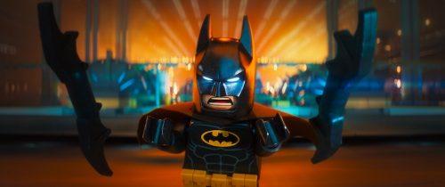 Lego Batman - Il Film, Batman com-bat-te