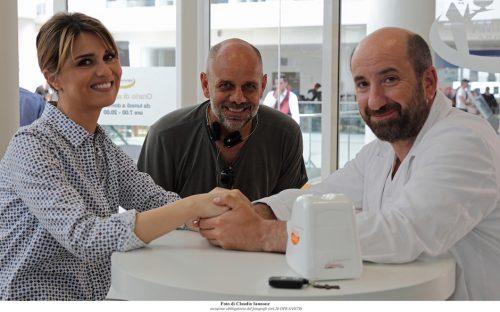 Mamma o papa, il regista Riccardo Milani e le due star del film