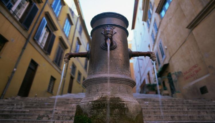 Roma, Acea: riduzione delle pressioni della rete idrica nelle ore notturne