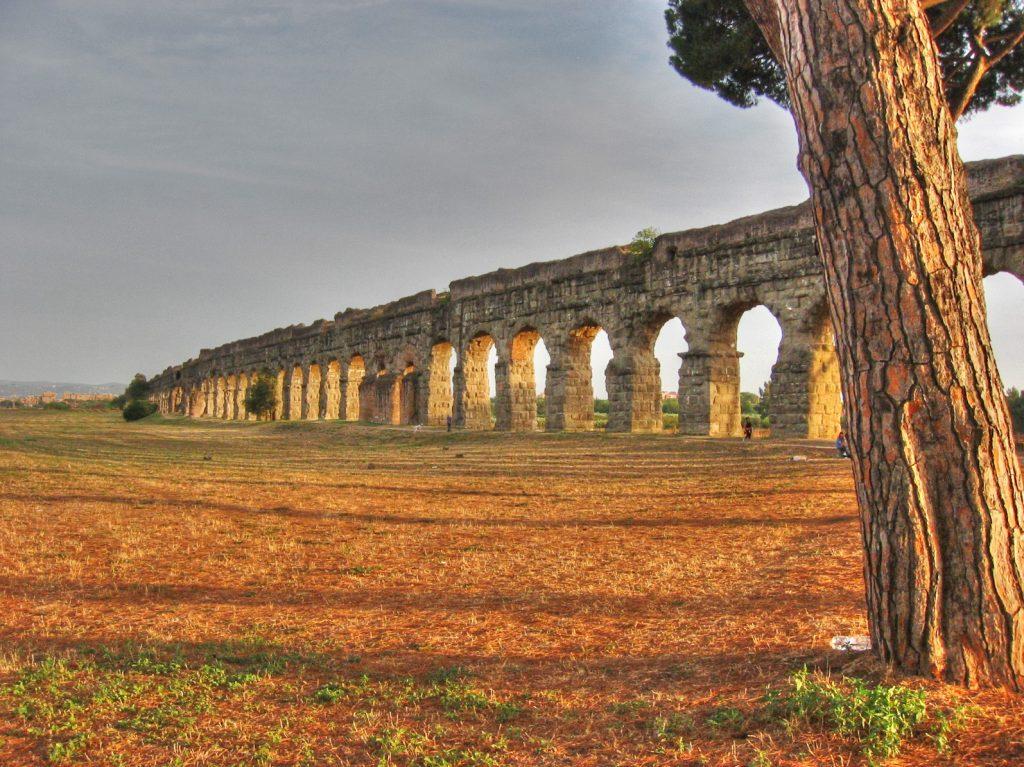 Acquedotto romano scoperto durante gli scavi della Metro C sotto piazza Celimontana