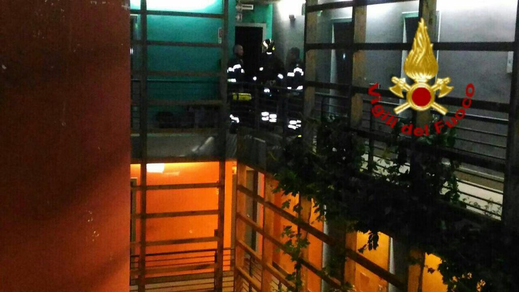 Roma, agguato a Tor Vergata: uomo ucciso a colpi d'arma da fuoco
