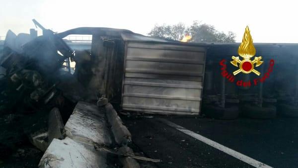 Scontro sulla A1, un morto e un ferito tra Valmontone e Roma sud