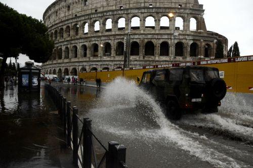 Raggi spiega gli allagamenti a Roma: