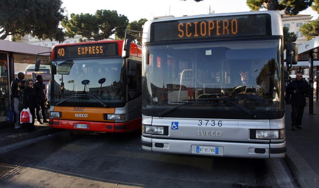 Nuovo sciopero trasporti venerdì 13: stop bus metro e ferrovie urbane