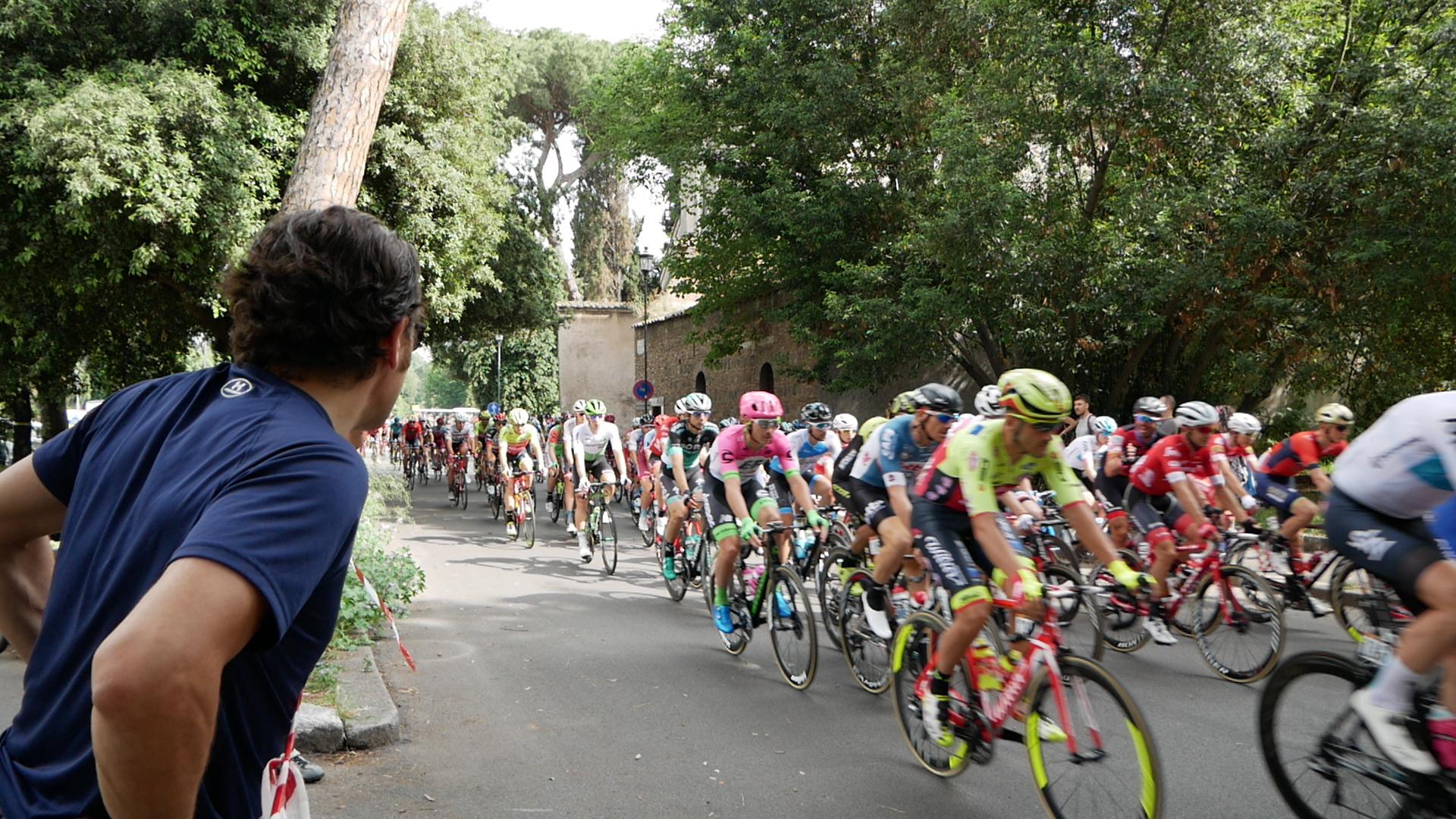 Giro d'Italia, protesta dei corridori