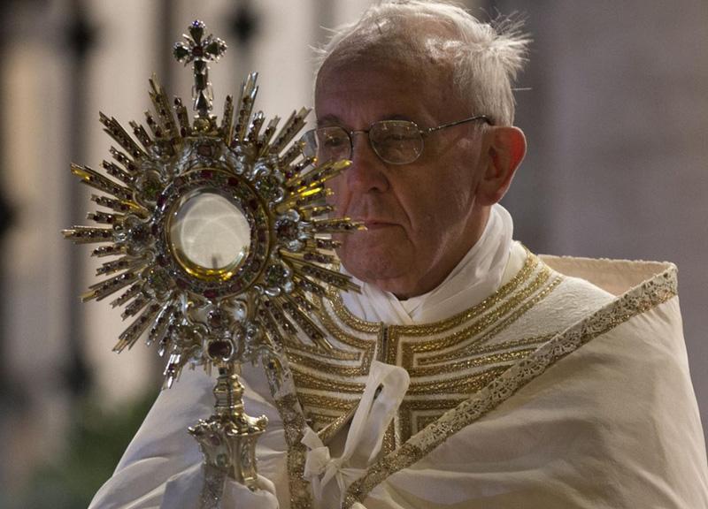 Papa Francesco contro il consumismo