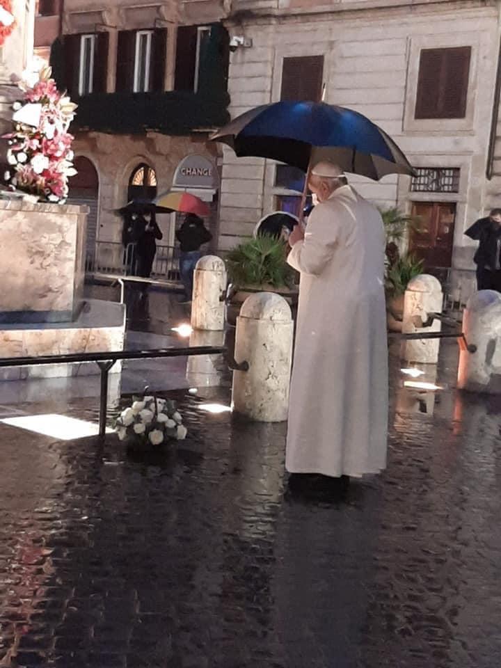 Il Papa a piazza di Spagna